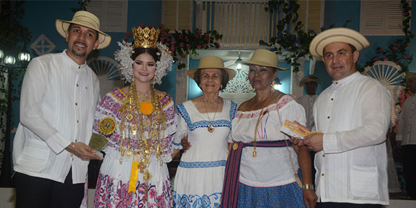 Ana García, Gana el concurso de Sombreo de Junco