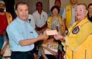 Donacion de 5000 Balboas al hogar de ancianos de Peña Blanca