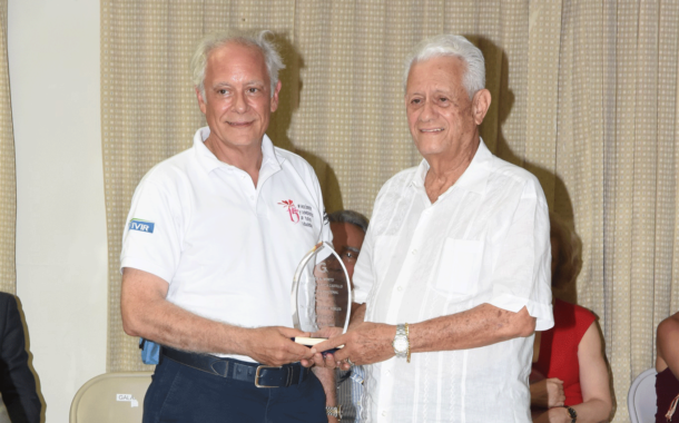 Premio Perseverancia – Álvaro Moreno Robles